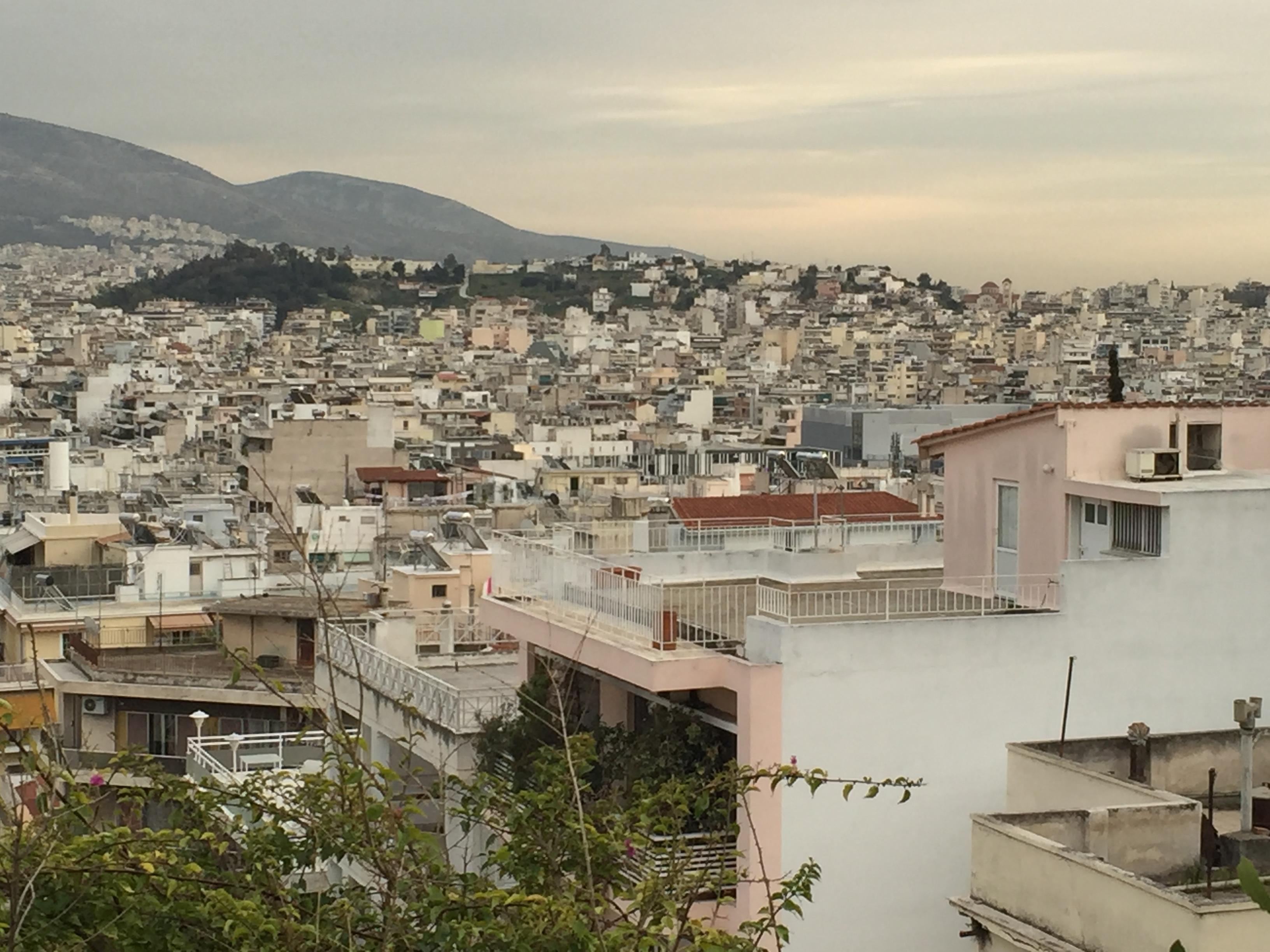 Befinner mig just nu som stipendiat i Ariane Wahlgrens hus i Aten. Så vad passar bättre som månadens bild än den vackra kvällsvyn från terrassen?